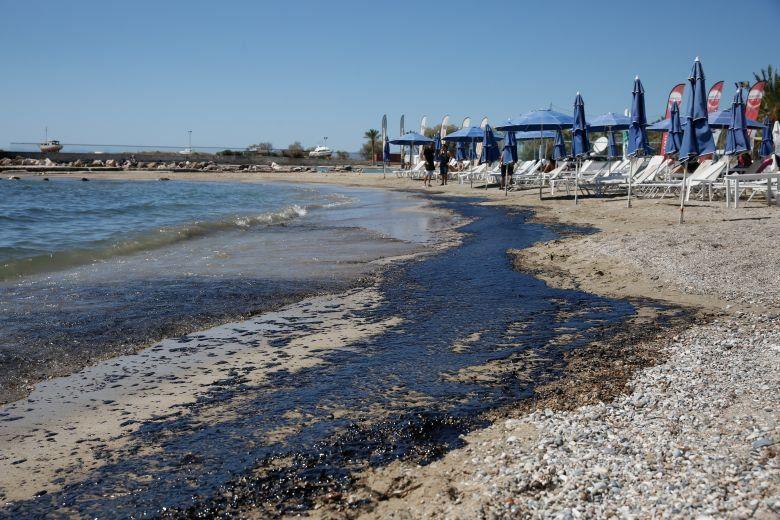 Με Υπουργική Απόφαση εξακολουθεί να απαγορεύεται το κολύμπι στις ακτές των Νοτίων