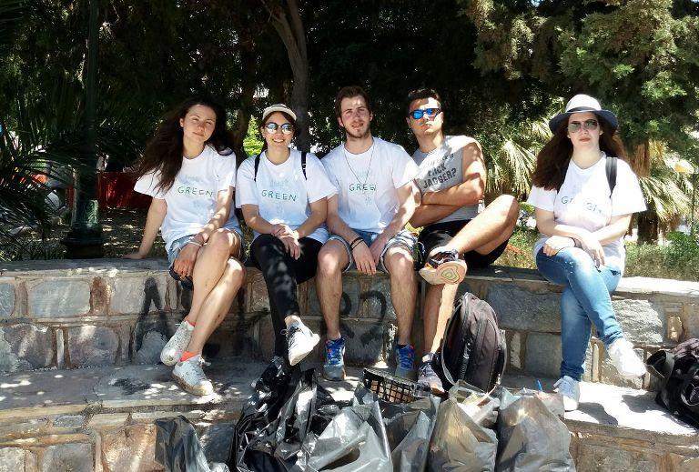 Εθελοντικός καθαρισμός της Μαρίνας Αλίμου από την ομάδα «Just Green It»