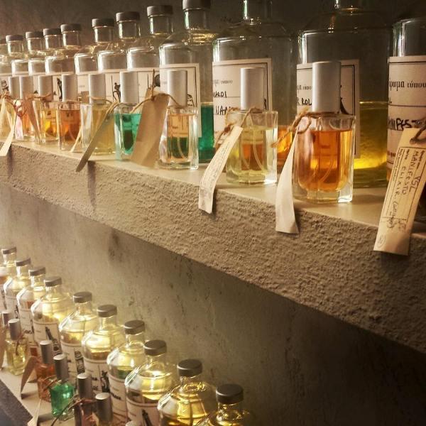 Διαγωνισμός: Τρεις νικητές θα κερδίσουν από ένα άρωμα της επιλογής τους από το Perfume bar or.