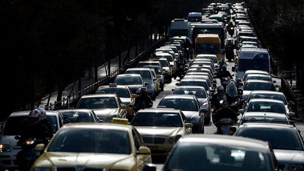 Μεγάλη η ταλαιπωρία των οδηγών σήμερα λόγω των απεργιών