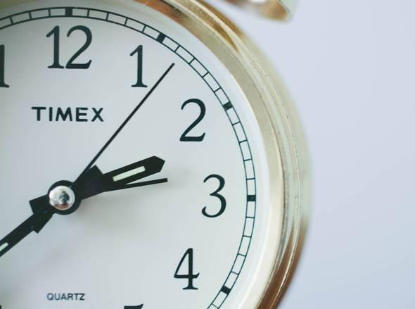 Θερινή ώρα: Την Κυριακή πάμε τα ρολόγια μας μία ώρα μπροστά