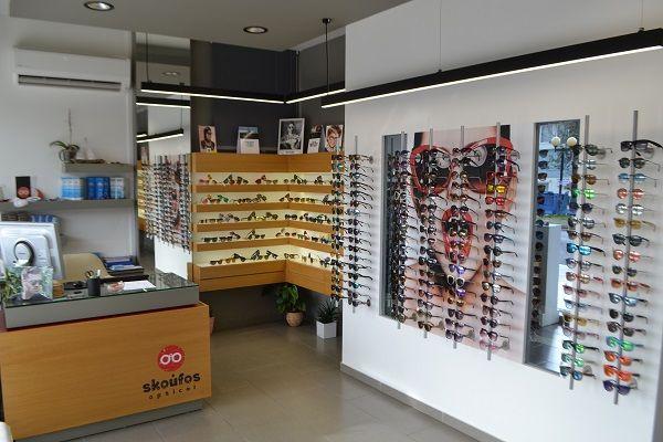 Τα πιο trendy γυαλιά θα τα βρεις στο Skoufos Optical