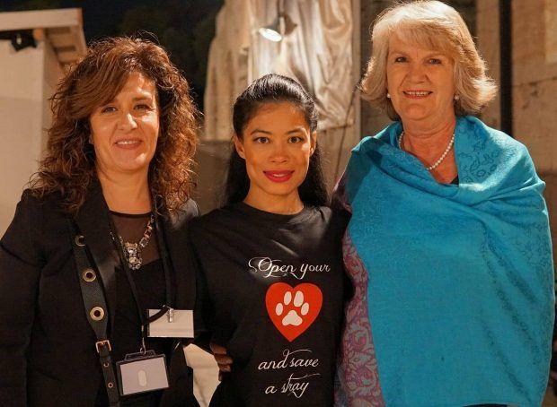 H Vanessa Mae στο νέο σποτ της Ζωοφιλικής Ένωσης Ηλιούπολης