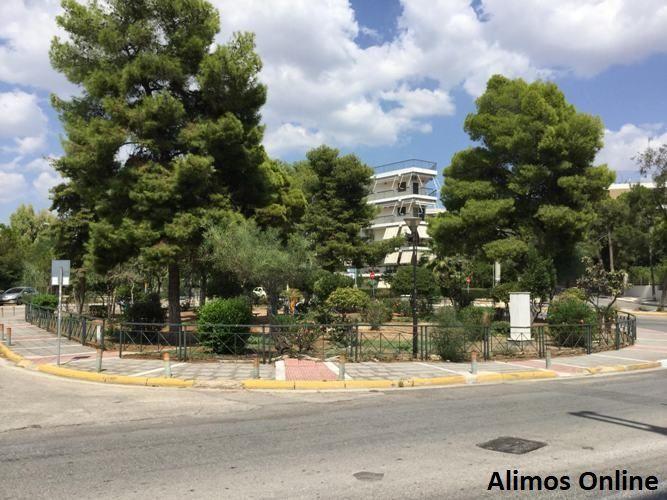 Η πλατεία είχε τη δική της ιστορία: Πλατεία Καρατζά στο Καλαμάκι