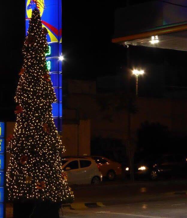 O Άλιμος ετοιμάζεται για τα Χριστούγεννα