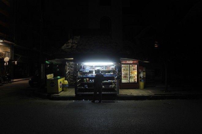 Παλαιό Φάληρο: Αυτοκίνητο έπεσε πάνω σε περίπτερο