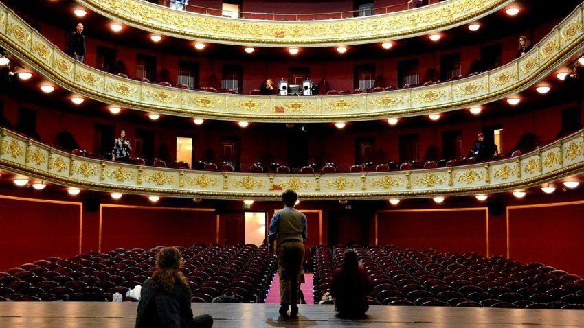 Κάλεσμα σε ανοιχτή πρόβα και ξενάγηση στο Δημοτικό Θέατρο Πειραιά