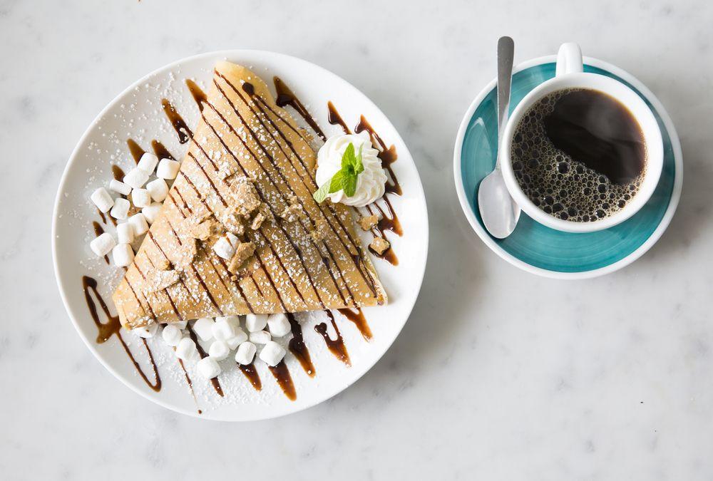 Καφές, σνακ, κρέπες αλλά και λουκουμάδες έρχονται όλο το 24ωρο στην πόρτα σου
