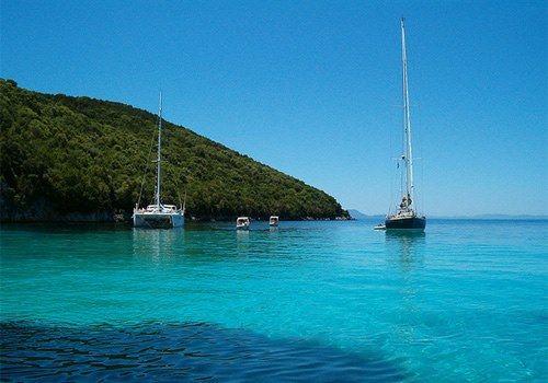 Απόλαυσε μονοήμερη εξόρμηση με πολυτελές yacht που αναχωρεί από τη Μαρίνα Αλίμου