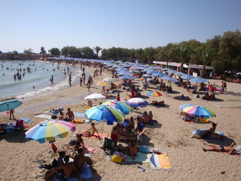 Άγιος Δημήτριος: Ξεκινούν τα δωρεάν δρομολόγια για την παραλία του Άγιου Κοσμά