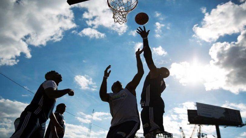 To επόμενο Σαββατοκύριακο μπορείς να παίξεις basket στην Πλατεία Συντάγματος
