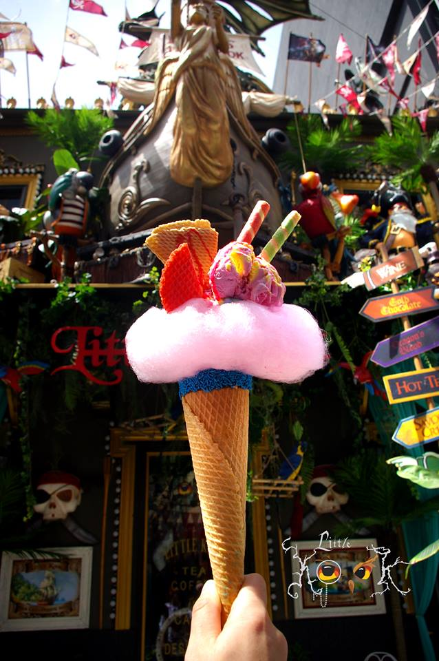 Στο κέντρο της Αθήνας θα βρεις το μεγαλύτερο χωνάκι παγωτού