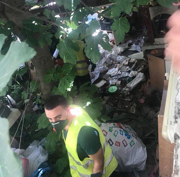 Γλυφάδα: 40 τόνους σκουπιδιών βρέθηκαν σε διαμέρισμα ρακοσυλλέκτη