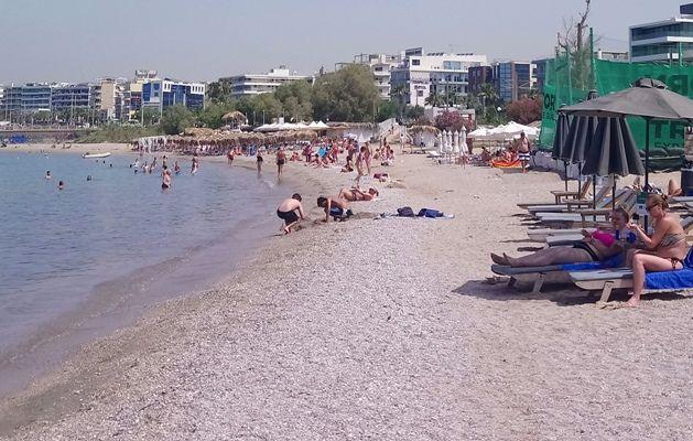 Οι Αλιμιώτες και οι Αλιμιώτισες κατέβηκαν σήμερα στις παραλίες της πόλης