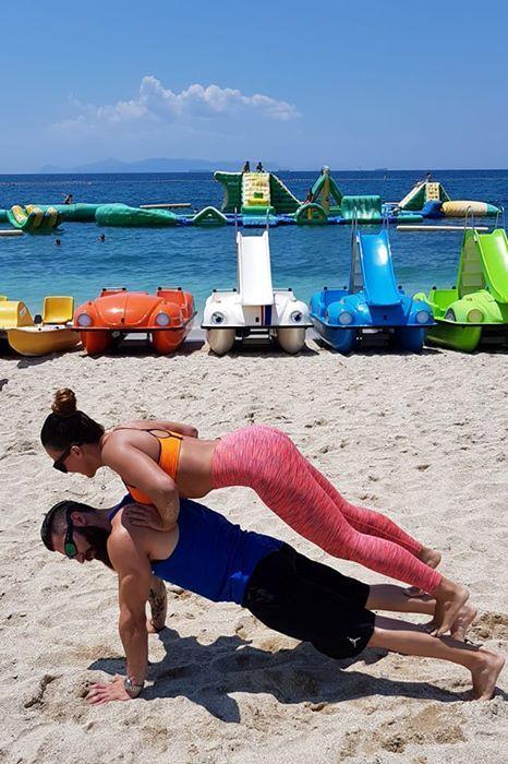 Ακτή του Ηλίου: Ασκήσεις ενδυνάμωσης με τη Χριστίνα Πάζιου για το Epsilon