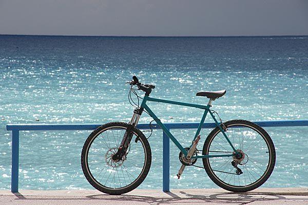 Μεγάλη ποδηλατοδρομία από Π. Φάληρο σε Βάρκιζα, με τα κοινόχρηστα ποδήλατα i-bike - Συμμετοχή του Δήμου Αλίμου