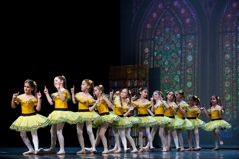 Σχολή Μπαλέτου Άντζελα Ρήγα: Τμήματα μπαλέτου, μοντέρνου, σύγχρονου για παιδιά από 3,5 ετών