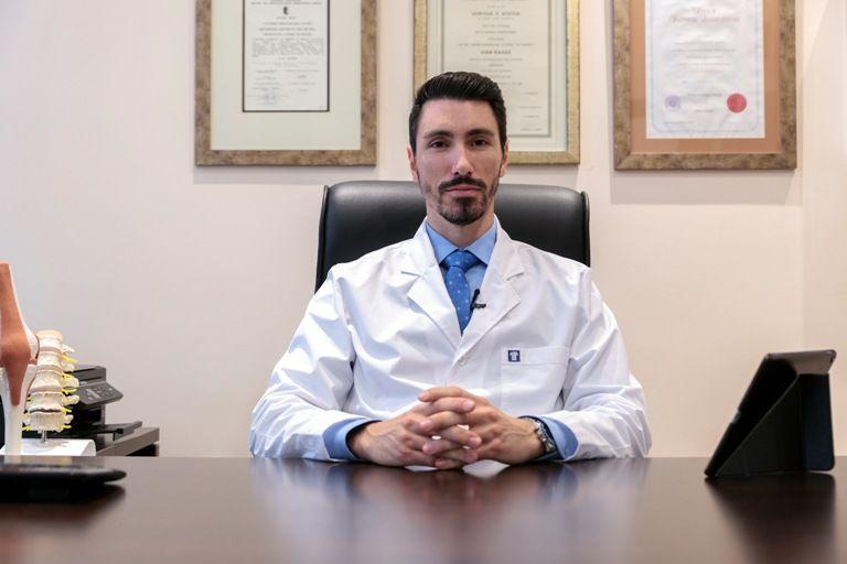 Βλαισός δάκτυλος (Κότσι): Ο Χειρουργός Ορθοπεδικός Διονύσης Ντούσης συμβουλεύει για την ορθή αντιμετώπισή του
