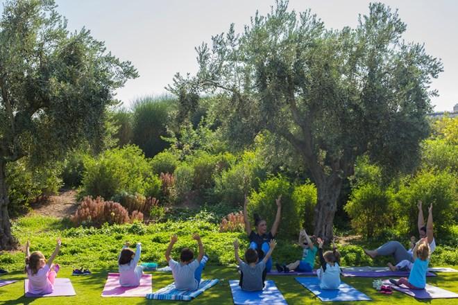 Δωρεάν yoga για παιδιά στο πάρκο του Κέντρου Πολιστισμού Ίδρυμα Σταύρος Νιάρχος