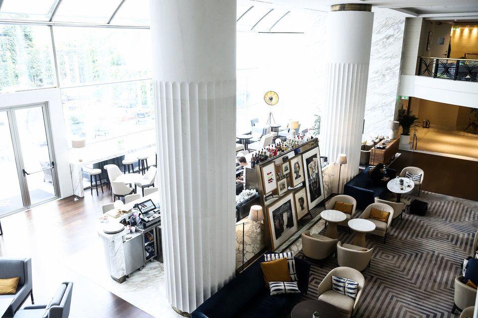 Μία «ματιά» στο Athens Marriott που βρίσκεται στην αρχή της Αθηναϊκής Ριβιέρας