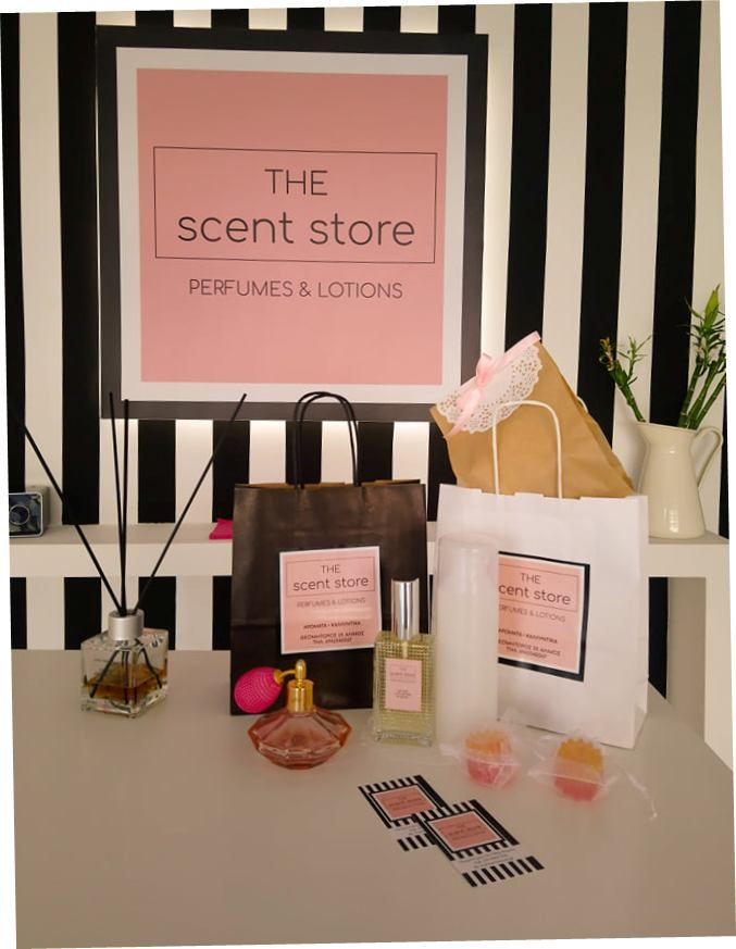 Οι δύο νικητές του διαγωνισμού για ένα σετ με άρωμα της επιλογής, αφρόλουτρο και χειροποίητο σαπουνάκι από το «The Scent Store»