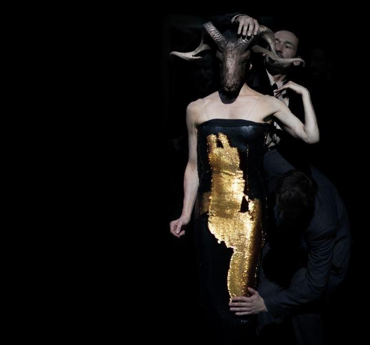 New Piece I- Since She: Ο κόσμος του Δημήτρη Παπαϊωάννου συναντά το σύμπαν της Πίνα Μπάους στη Στέγη