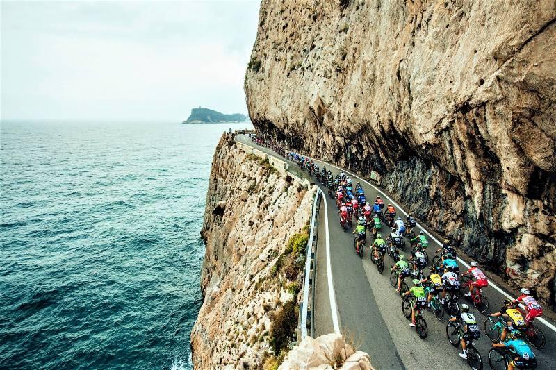 Από το Π. Φάληρο έως την Αγία Μαρίνα με το ποδήλατο για μία βόλτα δίπλα στη θάλασσα