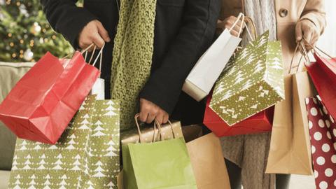 Τρεις Κυριακές του Δεκεμβρίου θα παραμείνουν ανοιχτά τα μαγαζιά