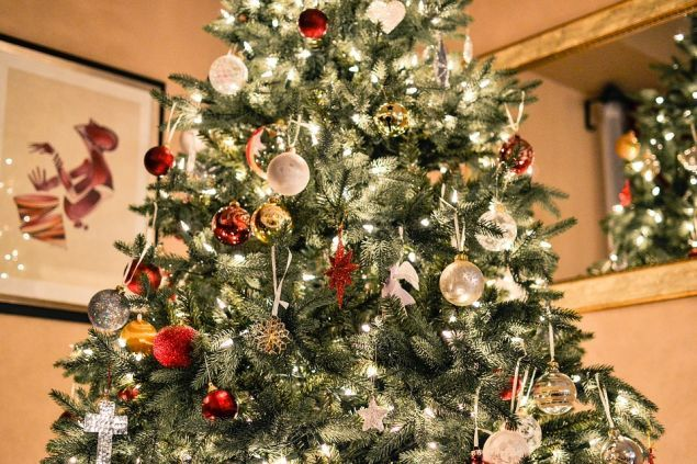 Λαμπιόνια, χριστουγεννιάτικο δέντρο, φωτισμός: Όσα πρέπει να προσέχουμε