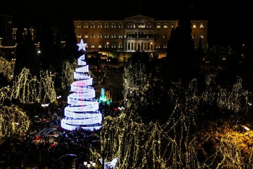 Η Αθήνα υποδέχτηκε τα Χριστούγεννα