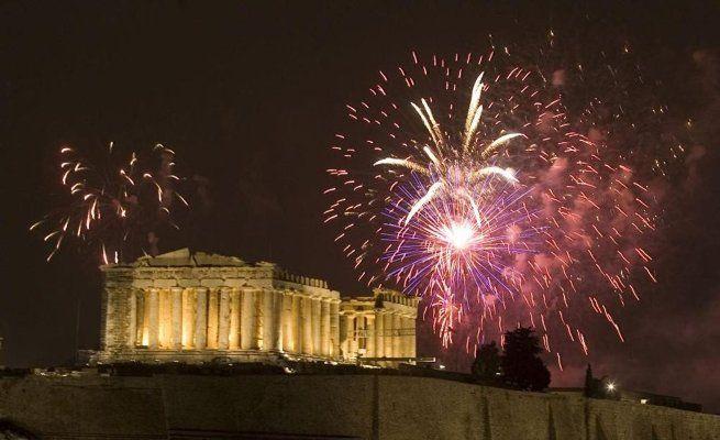 31 Δεκεμβρίου: Αλλαγή χρόνου στο Θησείο με Βασίλη Χαραλαμπόπουλο, Κατερίνα Κούκα, Θέμη Καραμουρατίδη και Χριστίνα Μαξούρη
