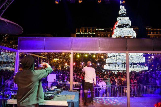 Glass House Project – We play your wish: Το πιο πρωτότυπο jukebox θα βρίσκεται στο Σύνταγμα για καλό σκοπό