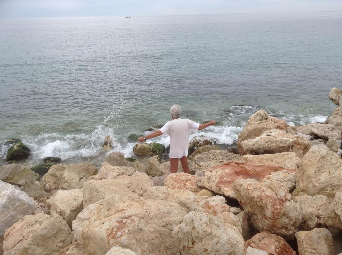 Πρωινή γυμναστική με θέα τη θάλασσα