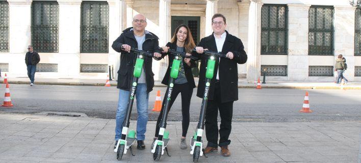Τέλος το αυτοκίνητο στο κέντρο: Ο Δήμος Αθηναίων τοποθέτησε ηλεκτρικά πατίνια