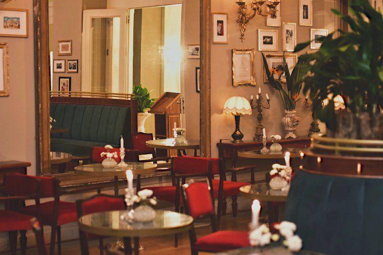 Foyer Café Bistrot: Απολαύστε τον καφέ σας στο φουαγιέ του Δημοτικού Θεάτρου Πειραιά