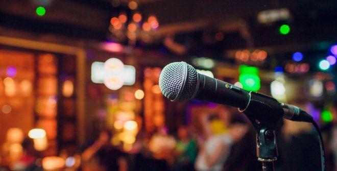 Karaoke party απόψε στο Robin's Egg
