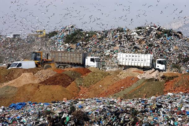 H ανακοίνωση του Δημάρχου, Ανδρέα Κονδύλη, σχετικά με την καθαριότητα λόγω της δυσλειτουργίας της χωματερής Λιοσίων