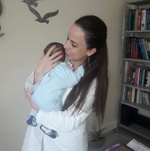 Η Ιατρός Μικροβιολόγος Χριστίνα Πεπόνη μας μιλάει για το test διάγνωσης της γρίπης