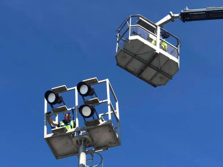Αντικατάσταση λαμπτήρων με νέους τύπου LED στο Κολυμβητήριο Αλίμου