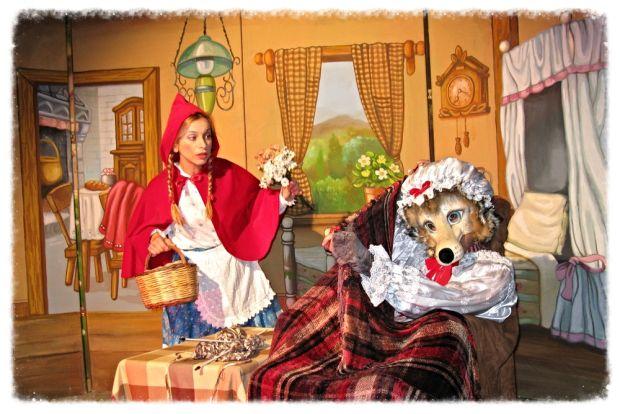 Η Κοκκινοσκουφίτσα και οι σκανδαλιές του λύκου: Θεατρική παράσταση για παιδιά το πρωί της Κυριακής στον Άλιμο