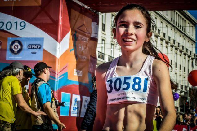 Η 13χρονη Φαληριώτισσα που έκλεψε και φέτος τις εντυπώσεις στον Ημιμαραθώνιο