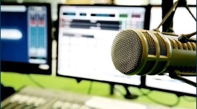 Οι παραγωγοί του Alimos Web Radio σας περιμένουν σήμερα στο στούντιο