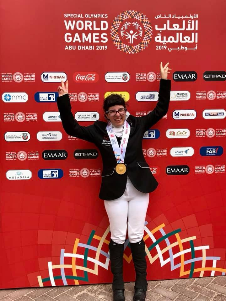Δύο χρυσά μετάλλια για την Αλιμιώτισσα Νιόβη Δρυμούση στους Παγκόσμιους Αγώνες Special Olympics