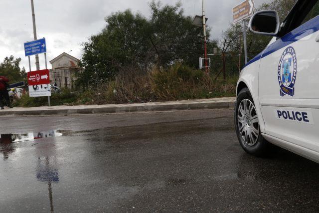 Βούλα: Άνδρας έπεσε από το μπαλκόνι του σπιτιού του – Ύποπτη η σύντροφός του