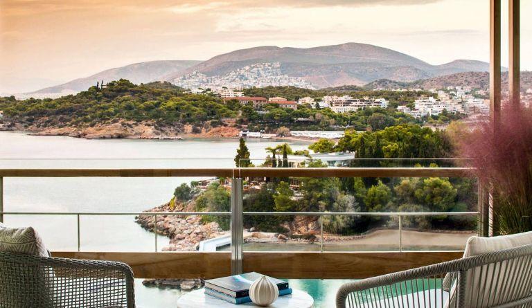 Φωτογραφίες από τα δύο εστιατόρια του Four Seasons Astir Palace Hotel
