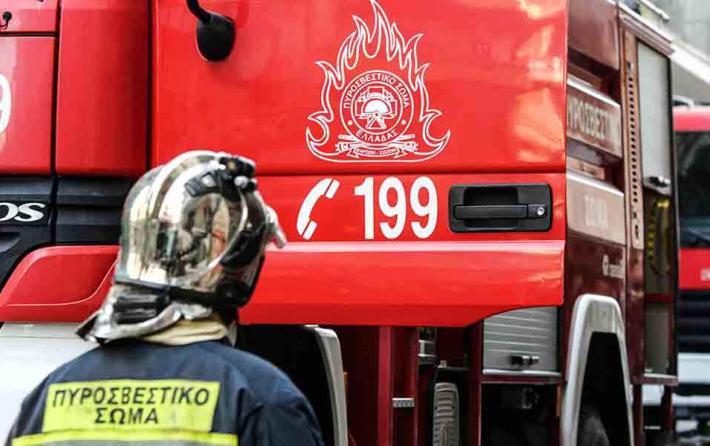 Γλυφάδα: Πυρκαγιά στο κέντρο της πόλης