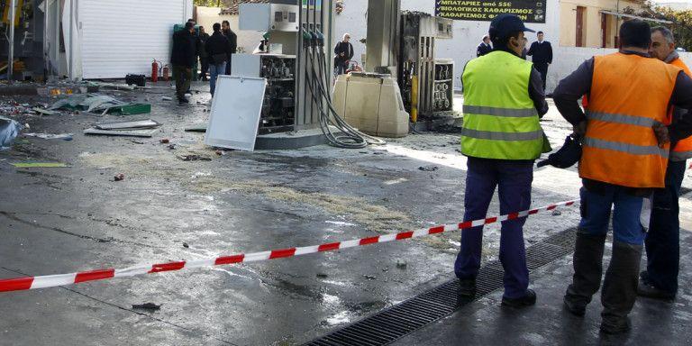 Γλυφάδα: Ληστεία σε βενζινάδικο – Έσπασαν με αμάξι τη τζαμαρία