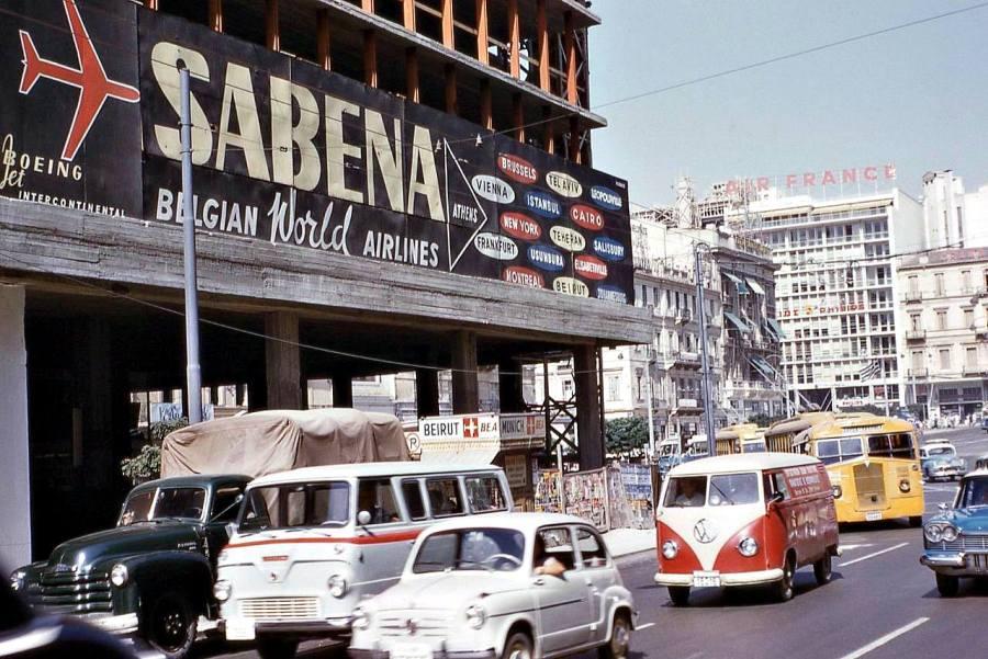 Αθήνα: Όταν χτίζονταν τα γραφεία στο Σύνταγμα – Καλοκαίρι 1960