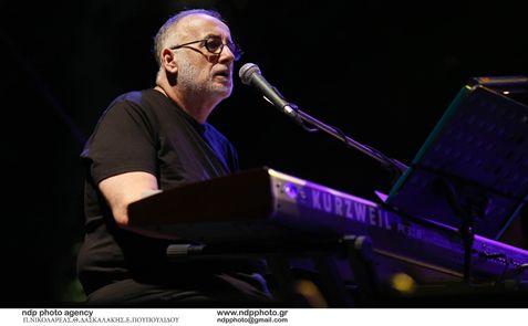 Η συναυλία του Θάνου Μικρούτσικου στο Μέγαρο Μουσικής, με ειδική τιμή για τους Αλιμιώτες