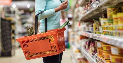 Σε ποια προϊόντα διατροφής και καταστήματα θα μειωθεί ο ΦΠΑ στο 13%